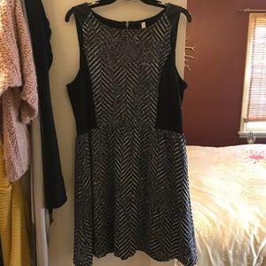 Black and White Kenzie Dress